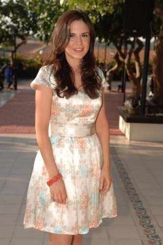 Eki bridesmaids, bridesmaids in Eki silk printed dresses